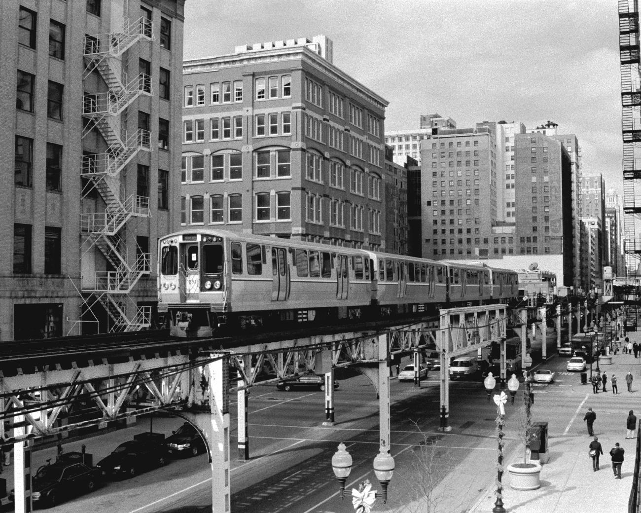 Chicago Black White Wallpaper Cta Train On The Chicago L Tracks