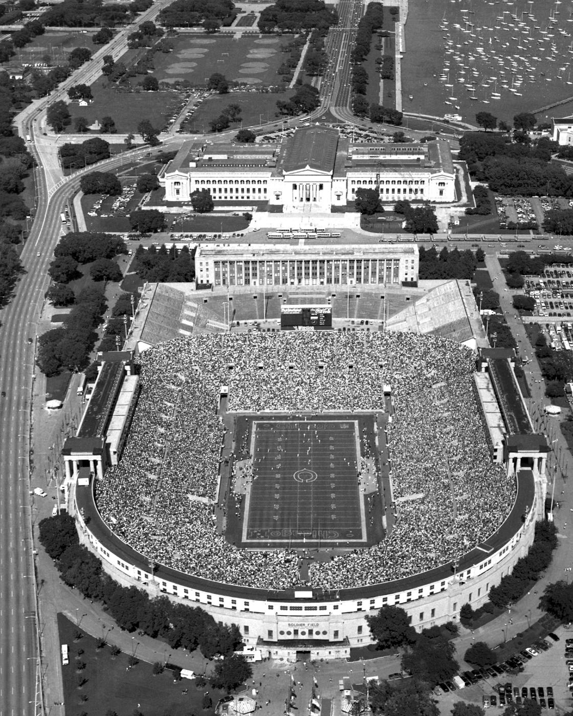 Chicago Bears Wallpaper Black White Soldier Field Chicago Skline